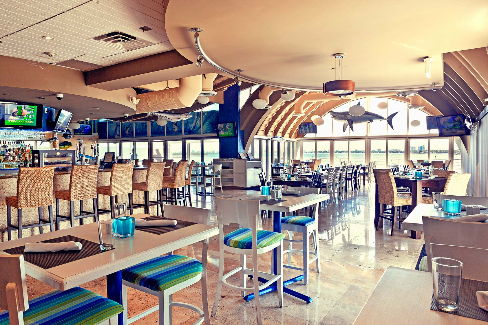 Gallery south beach miami restaurants midtown miami for Garcia s seafood grille fish market miami fl