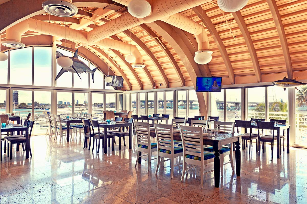 Location miami 39 s best seafood restaurant on the bay for Garcia s seafood grille fish market miami fl